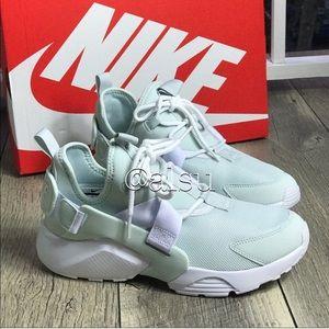 3aa916919044 Women s Sneaker Customizers on Poshmark